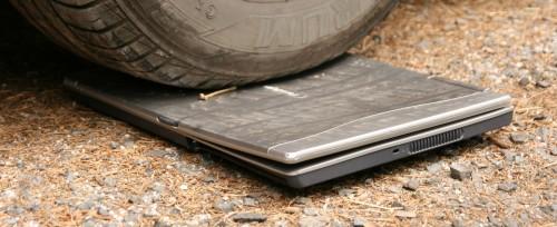 notebook pod kolem