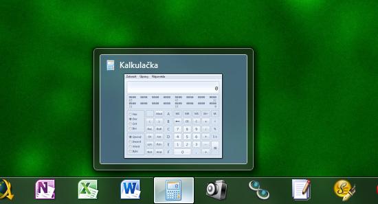 lišta ve Windows je přehlednější a má více funkcí