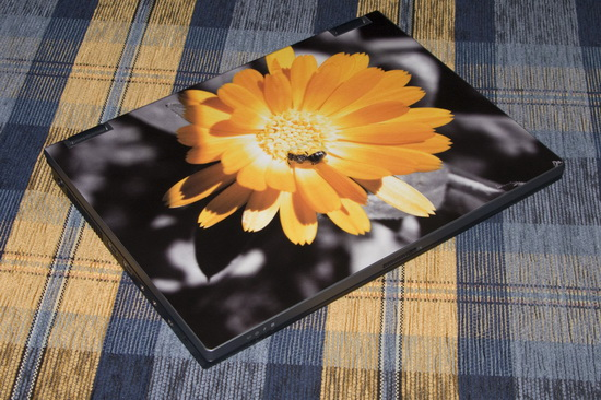 SkinBook motiv s včelkou - foto 1