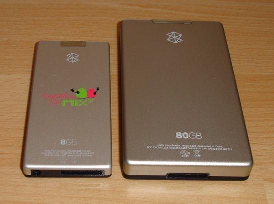 Zune 80GB a 8GB - pohled zezadu